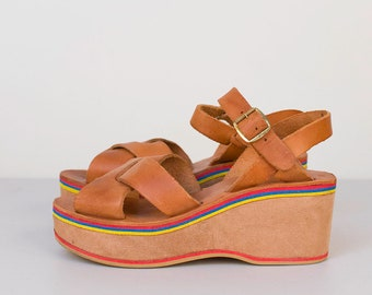 1970s Platform shoes / 70s Leather Wedge Sandals