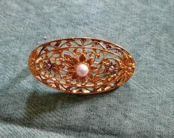 Vintage style brooch