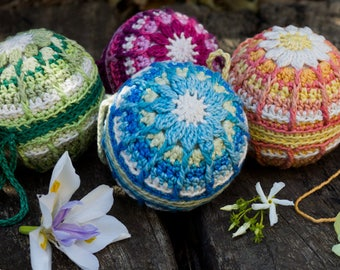 Christmas Bauble Crochet Pattern