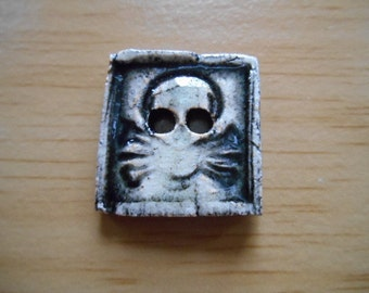 Skull Ceramic button