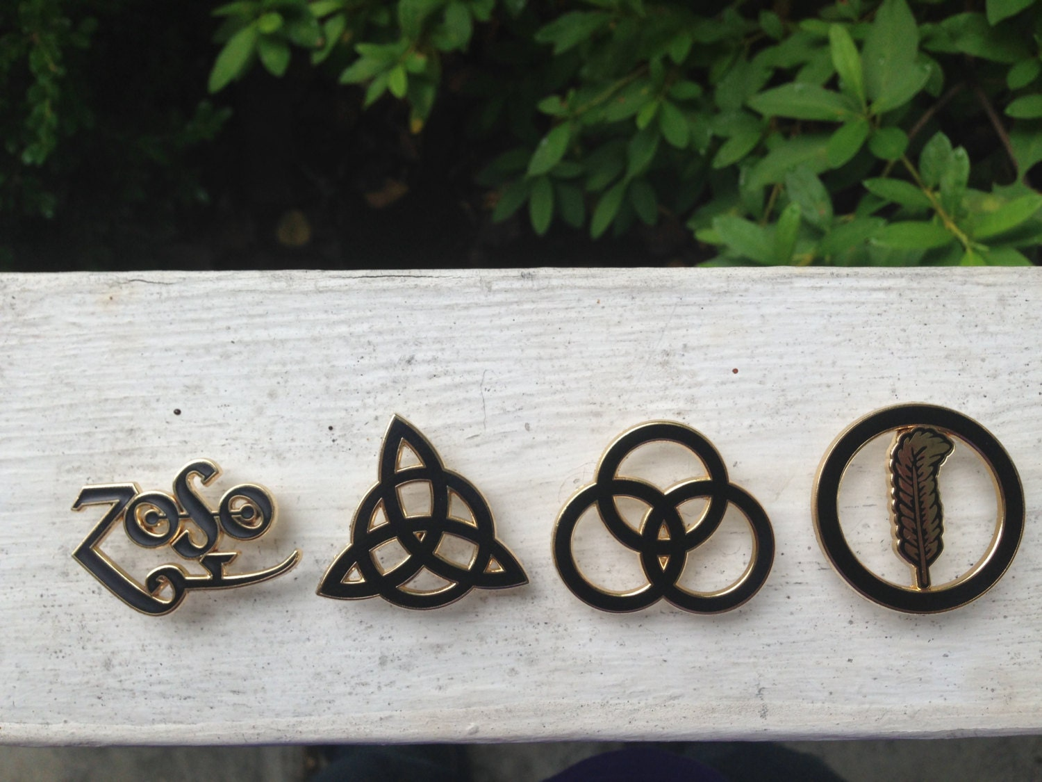Limited time special led zeppelin pin set zoso triquetra zoom biocorpaavc