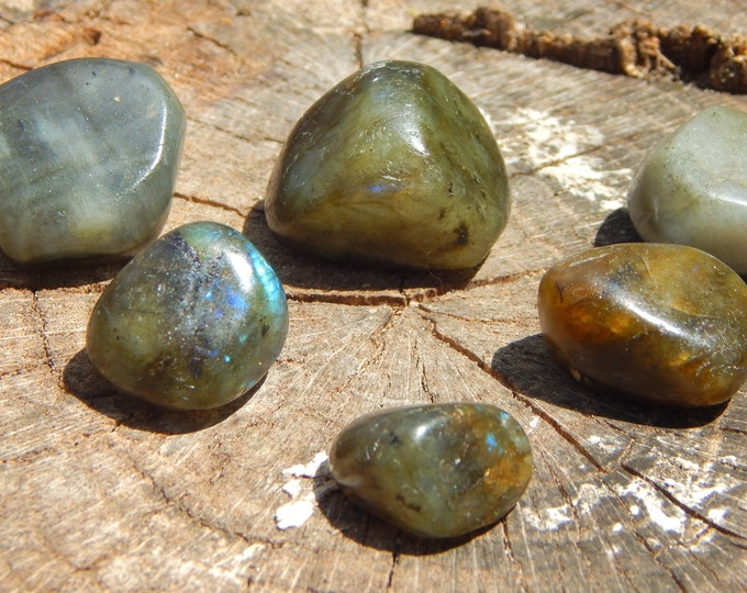 TUMBLED Labradorite gemstone - hand-picked natural stone - Reiki Wicca Pagan Energy-work Tool