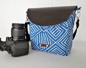 Woman crossbody bag padded for Digital camera / Cute camera bag with adjustable strap / Padded crossbody camera bag / Made by hands in USA