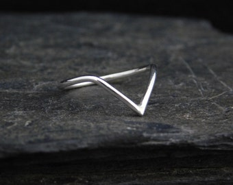 Chevron ring, sterling silver or 14k Gold filled, thin ring,  1.2 mm ring, made at your size. V ring. Skinny ring, thin ring, stacking