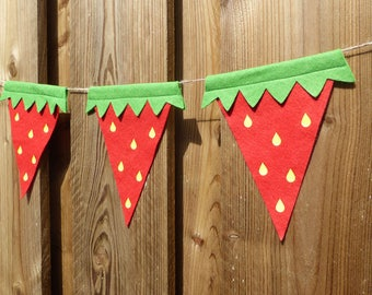 Strawbeery Bunting - made from red wool blend felt, perfect for kids birthday, picnic and summer celebrations