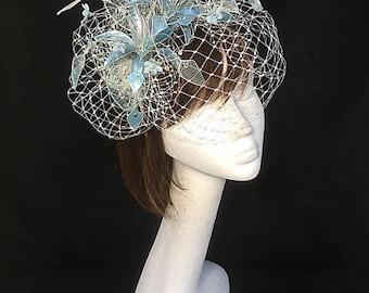 Blaue Fascinator, Fascinator, Mutter der Braut Hut, einzigartige Fascinator, verschleierte Fascinator, maßgeschneiderte Design, Aussage Hut