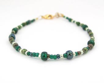 Green Beaded Bracelet Dainty Petite Beads Glass Seed Beads Mix Teal Green Friendship Mom Daughter Sister Yoga Zen