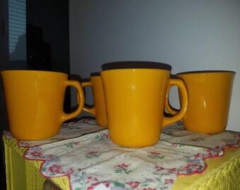 4 Corelle / Pyrex Citrus / Sunflower Yellow Coffee / Tea Mugs
