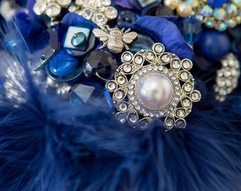 Something Blue Vintage brooch and button bouquet