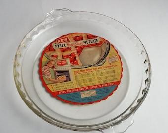 Vintage Pyrex 10 inch pie pan Pyrex ruffled pie pan Scalloped pie dish & Ruffled baking dish | Etsy
