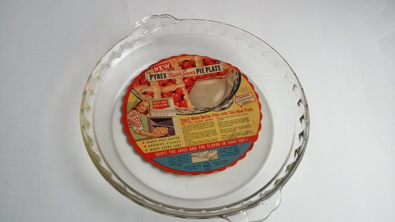& Vintage Pyrex 10 inch pie pan Pyrex ruffled pie pan