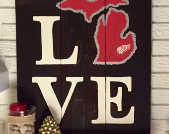 LOVE Detroit Red Wings Michigan Wooden Sign