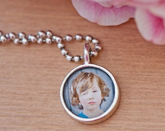Personalized photo pendant - from artwork or photo - small circle