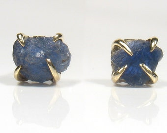 Solid gold stud style, uncut rough blue Sapphire ,raw sapphire,organic shape.wedding, engagement, graduation and other great moments.