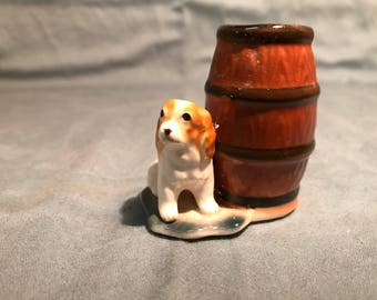 Small dog and barrel toothpick holder
