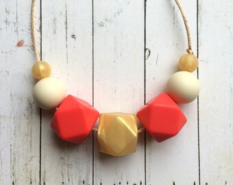 Breastfeeding Necklace, Silicone Teething Necklace, Babywearing Necklace, Chewelry, Baby Shower Gift, New Mum Gift, Coral & Gold Necklace