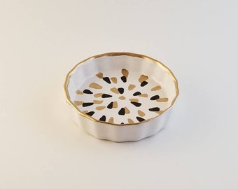 Black and Gold jewelry dish
