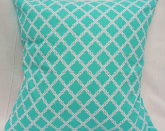 Aqua/White/Gray Quatrefoil Lattice Cushion Cover
