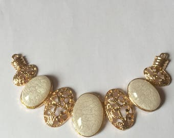 Necklace: gold metal link