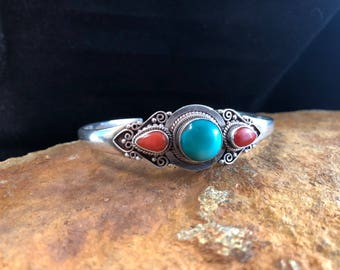 Tibetan silver cuff bangle with turquise and coral - 925 silver