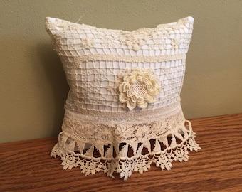 16-10-15 Ivory Vintage Pillow