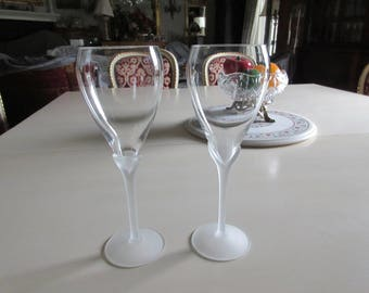 CRYSTAL WINE GOBLET with Frosted Stem