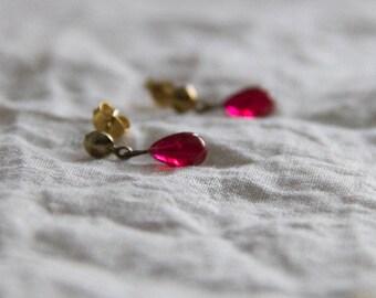 raspberry water, drop earrings in vintage glass and brass