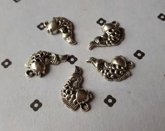Antique Silver Fish nautical Charms (5)