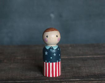 Patriotic Peg Doll, 4th of July Figurine, 4th of July Peg Doll, Patriotic Ornament, Hand painted doll, Wood Cake Topper, Americana Decor