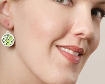 Medium round bubble earrings in LIME