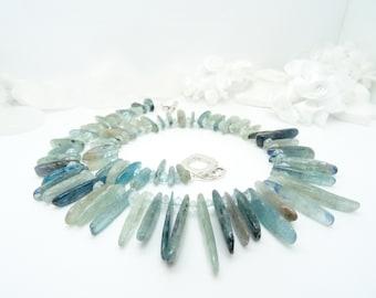 Necklace sticks of semi-precious stones: kyanite