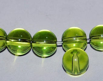17 pcs 8mm Round Smooth Transparent Chartreuse Lime Green Glass Beads