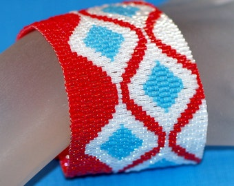 Turquoise Diamonds ... Peyote Bracelet . Beadwoven Cuff . Wide . Bold . Classic Colors . Red . Turquoise . White . Geometric . Retro Shapes