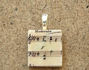 Scrabble Pendant with gift box, Moderato