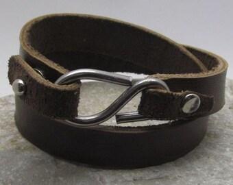 Men's leather bracelet. Leather Men Bracelet. Brown leather. men's cuff wrap bracelet with hammered metal work and hook clasp