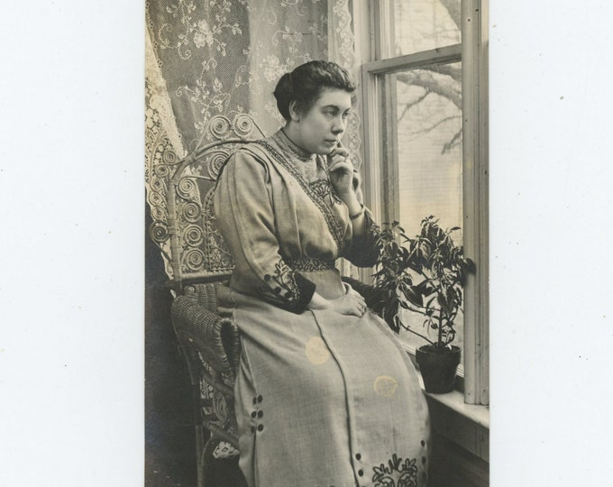 """Vintage Portrait Photo: Flora...""""This is how I look when I look sober....."""" [86688]"""