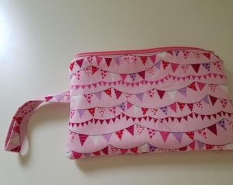 Pink banner wristlet, Quilted wristlet, Pink wristlet, Zipper wristlet, Wristlet with card pocket