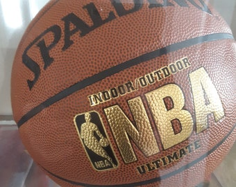 Basketball authenicated and signed Michael JordanTake 50% more off the reduced price