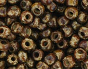 TOHO Size 8 Seeds - 10gms - HYBRID  Light Beige Picasso 8/Y306