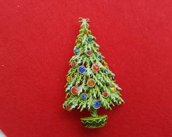 ART signed Frosty Fir Tree Brooch Seasonal Holiday Christmas Tree B