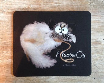 Mouse pad with cat in the leaves