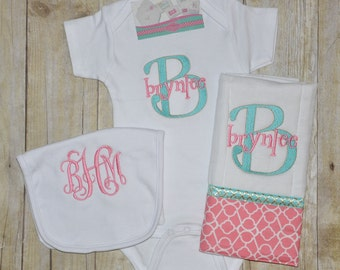 Quatrefoil Personalized Bodysuit Gift Set
