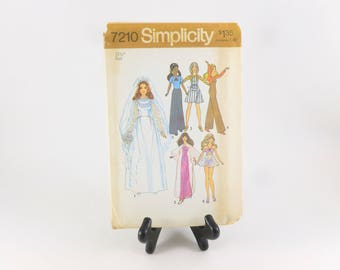 "Simplicity Sewing Pattern 7210 Uncut 11.5"" Fashion Doll Clothes Barbie, Christie, PJ, Dusty"