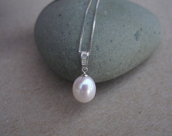 High Luster Freshwater Pearl CZ Necklace in 925 Sterling Silver Chain, Genuine Pearl Pendant Necklace,Simple Bridal Pearl Necklace