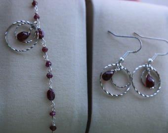 "set: bracelet and Garnet drop earrings ""energizing"""