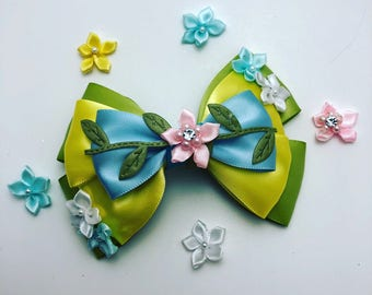 Flowers and Garden inspired hairbow