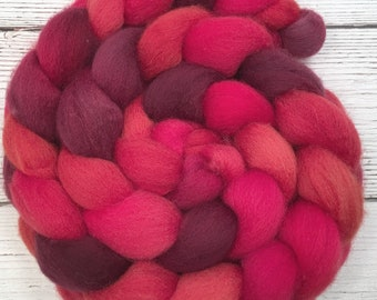 Handpainted BFL Wool Roving - 4 oz. HOT LIPS - Spinning Fiber