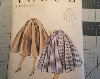 VOGUE 8581 Very Full Four Gore Skirt 1955 Pattern
