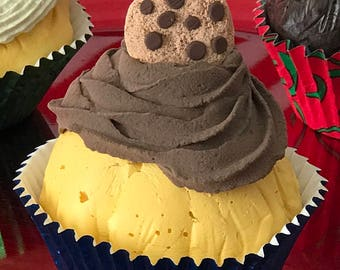 Fake cupcake with chocolate chip cookie