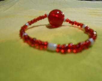 Elastic bracelet with Crystal Red embellished Pearl mineral white glossy